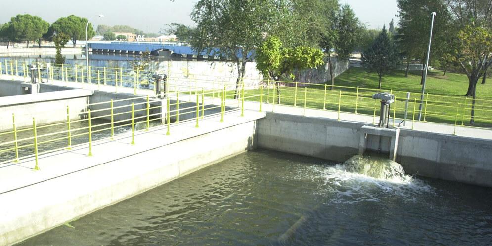 red-de-agua-reciclada-rejas-sanchinarro-excavaciones-y-transportes-movimientos-de-tierras-herradima-sl-colmenar-viejo-madrid-hitachi